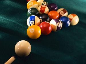 бильярдный стол купить, игра, спорт, мебель, отдых, разговор с деловым партнером